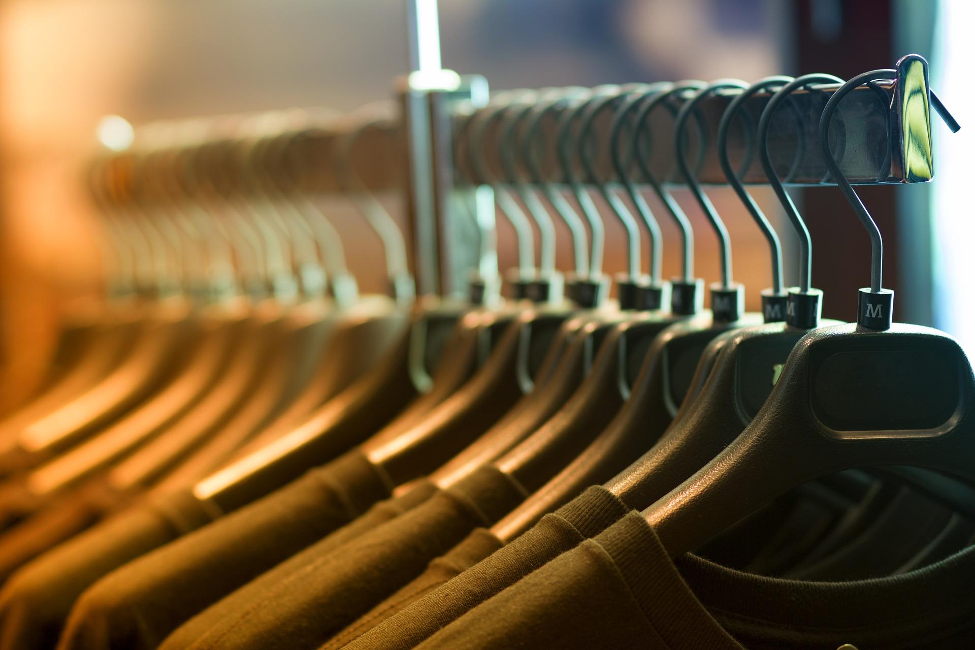 clothes-1834650_1920